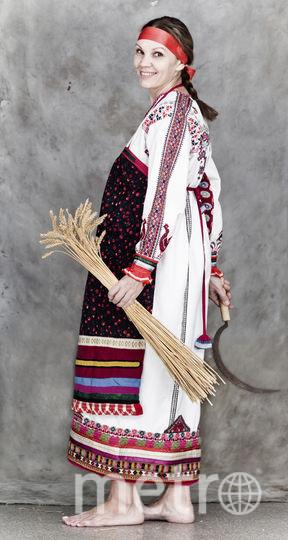 Научный сотрудник музея Евгения Сергеева в образе крестьянки. Фото предоставлены Александром Барановым.