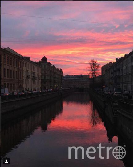 Такой был рассвет в Петербурге 3 ноября. Фото https://www.instagram.com/koulikovphoto/