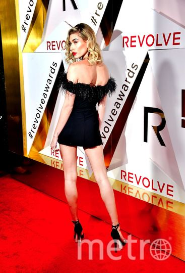 REVOLVE Awards. Хейли Болдуин. Фото Getty