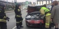 После ДТП на Московском проспекте в Петербурге загорелась иномарка