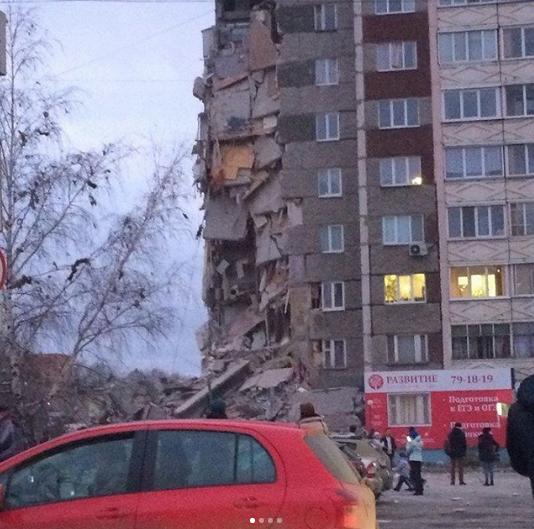 Обрушение дома в Ижевске. Фото Instagram/rmdimer
