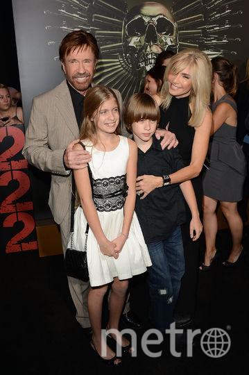Чак Норрис с семьей. Фото Getty
