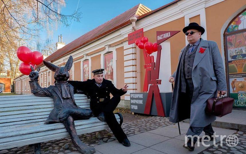 Заяц из Петропавловской крепости стал революционным матросом.