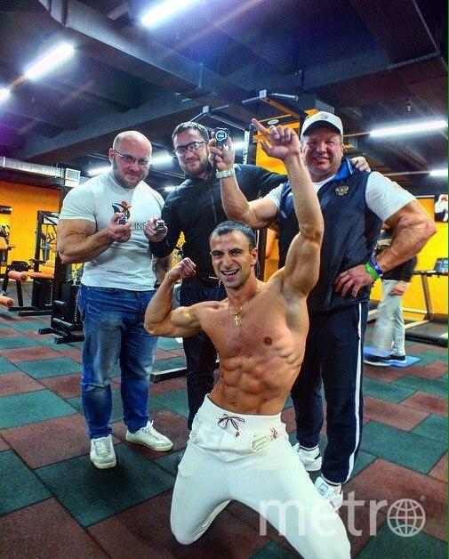 Андрей Лобков с экспертами, которые зафиксировали рекорд. Фото предоставлены Андреем Лобковым.