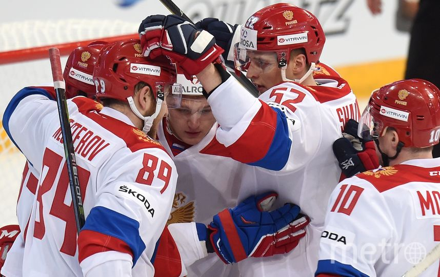 Россияне празднуют успех. Фото Юрий Кузьмин | photo.khl.ru