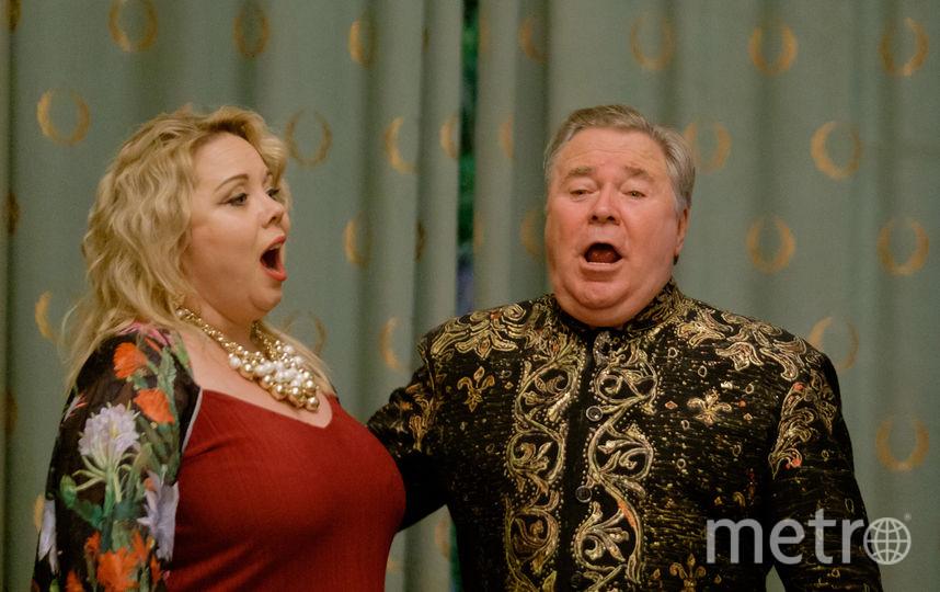 Тенор Владимир Коваль дал концерт в Белом зале особняка Матильды Кшесинской. Фото все - Алена Бобрович.
