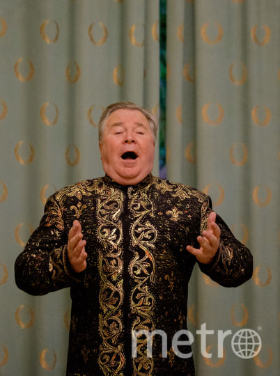 Тенор Владимир Коваль дал концерт в Белом зале особняка Матильды Кшесинской.