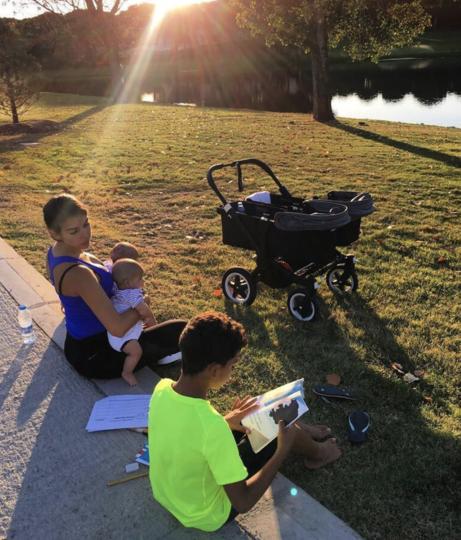 Джорджина Родригес с детьми Криштиану Роналду. Фото Instagram @cristiano