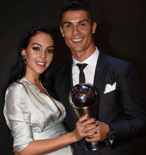 Криштиану Роналду и Джорджина Родригес на церемонии вручения наград лучшим футболистам мира. Фото Instagram @cristiano