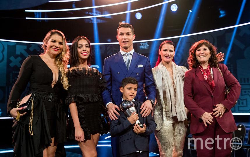 Криштиану Роналду вместе с семьей на церемонии вручения наград лучшим футболистам мира. Фото Getty