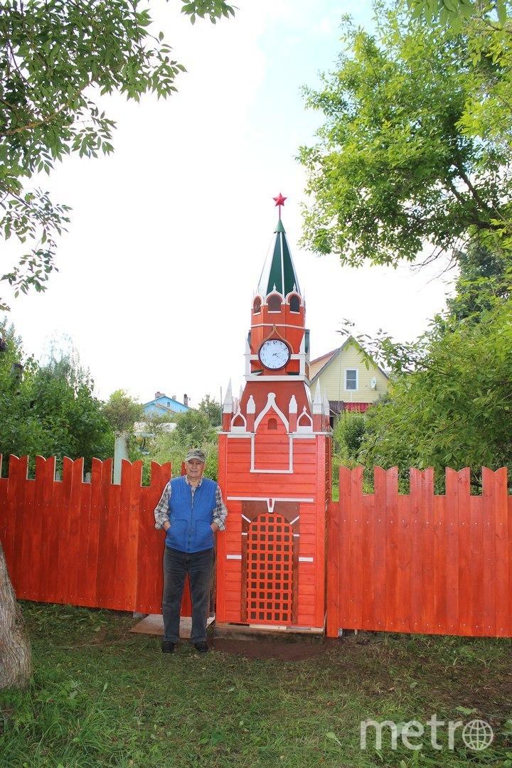 Вологжанин построил у себя на даче московский Кремль. Фото Из личного архива Рагутского.