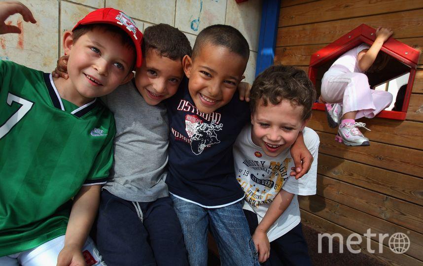 Церковь Британии выступила зато, чтобы дети носили тиары, пачки икаблуки