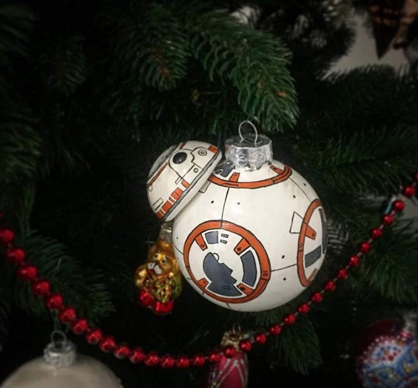 BB-8 из «Звёздных войн» почти как настоящий. Фото instagram.com/christmas_art.ru. Нина Джанашия