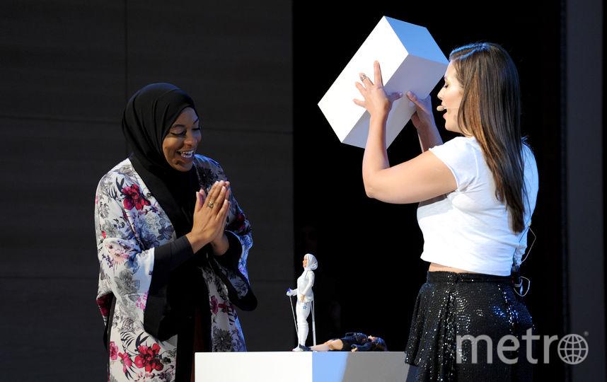 Ибтихадж Мухаммад Эшли Грэм на презентации куклы. Фото Getty