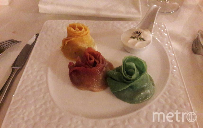 """«Миндаль» предлагает три сета на выбор: «Узбекская кухня», который продегустировало Metro, «Кавказская кухня» и «Русская кухня». Сет в стиле узбекской кухни настолько сытный, что его смело можно заказывать на двоих. Фото """"Metro"""""""