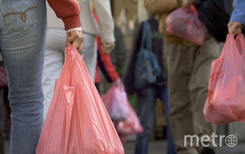 Ритейлер отказывается от пластиковых пакетов в рамках политики корпоративной социальной ответственности. Фото Getty