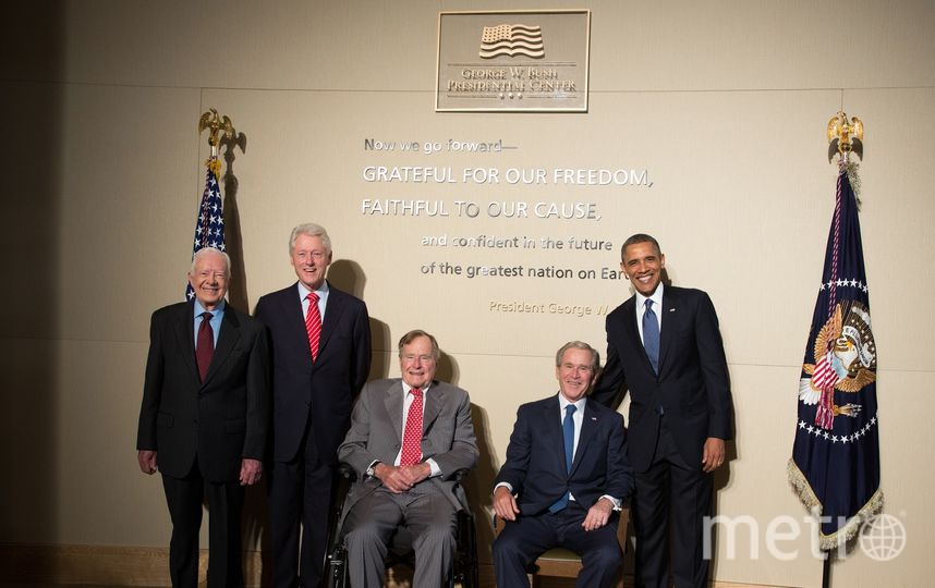 Пять экс-президентов США. Слева направо: 93-летний Джимми Картер, 71-летний Билл Клинтон , 93-летний Джордж Буш – старший, 71-летний Джордж Буш – младший и 56-летний Барак Обама. Фото Getty