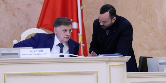 Петербургские народные избранники  повеской причине отказались распускать региональный парламент