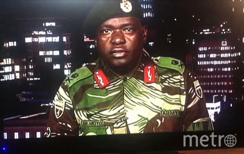 Генерал-майор Сибусисо Мойо делает заявление по телеканалу Зед-би-си. Фото AFP