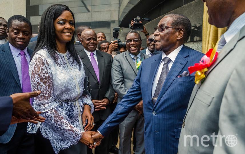 Президент Зимбабве Роберт Мугабе и его жена Грейс. Фото AFP