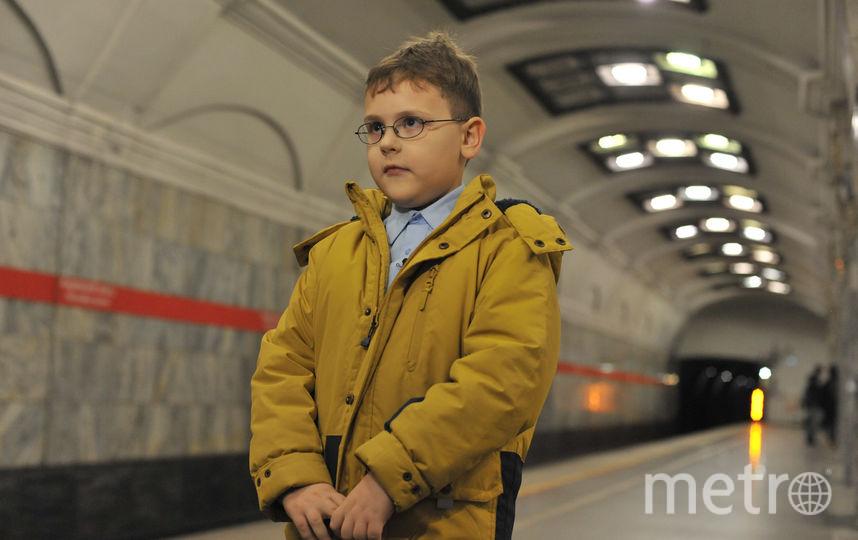 """Кирилл Агеев в метро Петербурга. Фото """"Metro"""""""