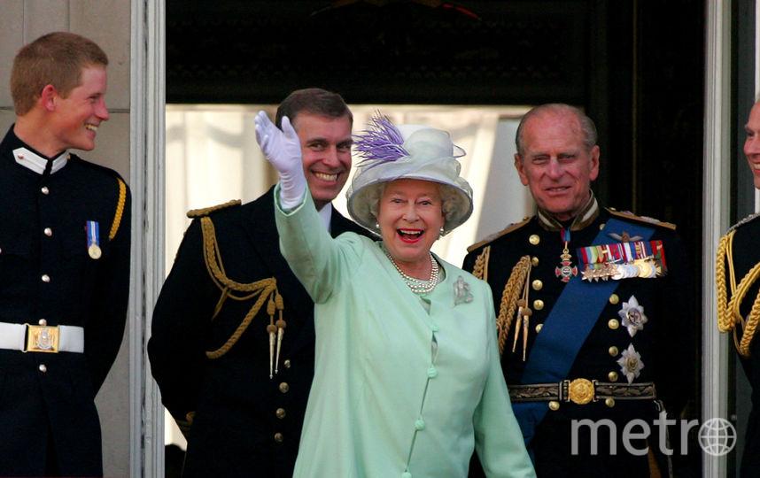 Принц Филипп и королева Елизавета II, принцы Уильям и Гарри. Фото Getty