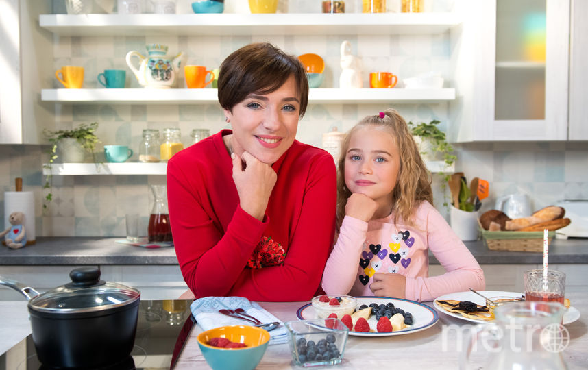 "Тутта Ларсен с дочкой. Фото Фото предоставлено пресс-службой канала ""Карусель""."