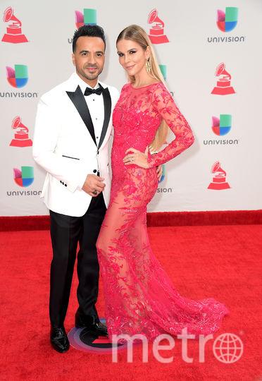 Latin Grammy Awards-2017. Луис Фонси с моделью Агедой Лопес. Фото Getty
