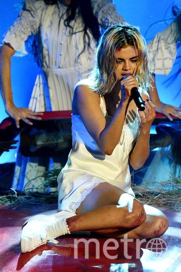 Селена Гомес спела на сцене шоу American Music Awards-2017. Фото Getty