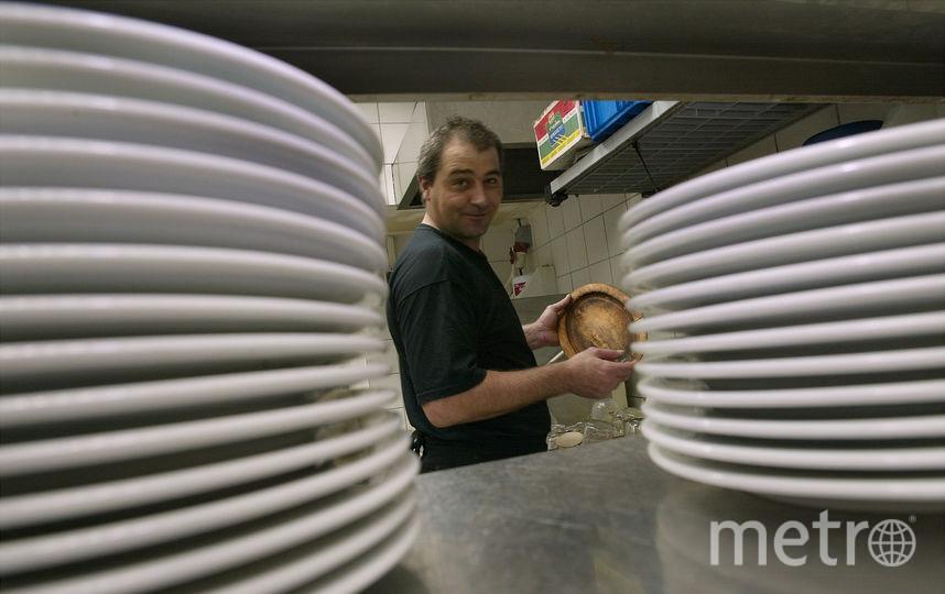 Учёные рассказали о влиянии мытья посуды на здоровье. Фото Getty