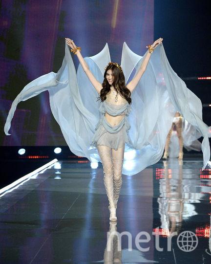 Белла Хадид на шоу Victoria's Secret-2017. Фото Getty