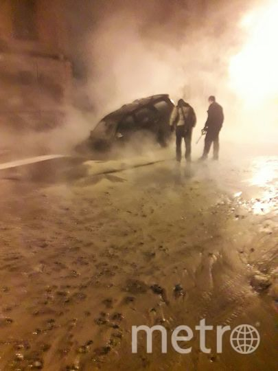 В Подъездном переулке прорыв трубы с горячей водой. Фото https://vk.com/spb_today