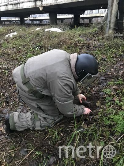 Работают взрывотехники. Фото предоставлены пресс-службой Росгвардии. https://vk.com/rosgvard78