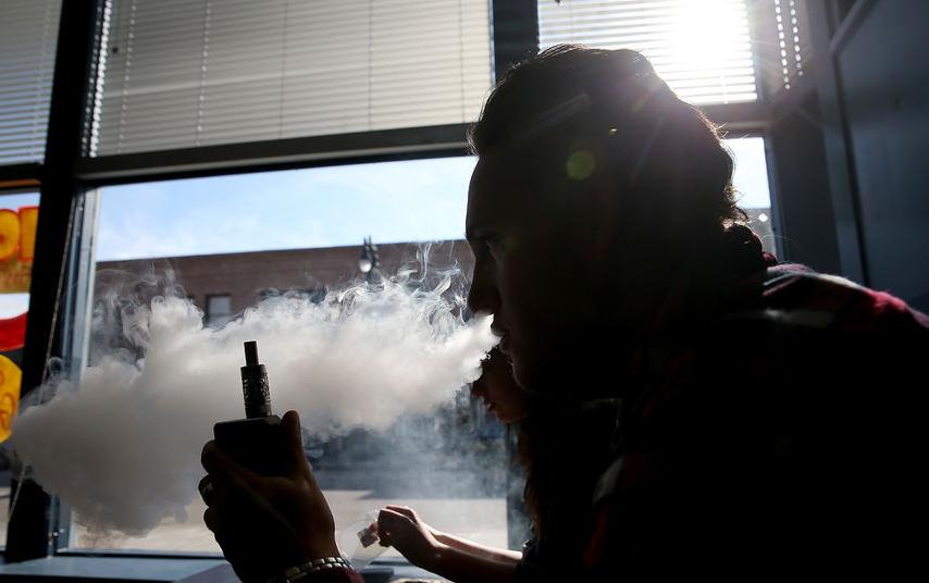 Петербургским подросткам запретили продажу вейпов. Фото Getty