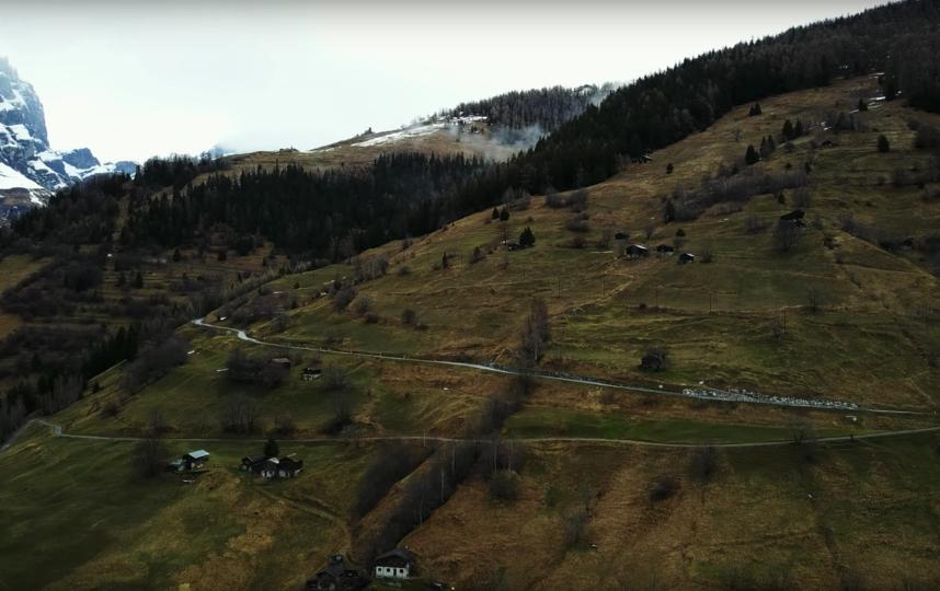Деревня Альбинен. Фото Gerhard Mathieu, Скриншот Youtube
