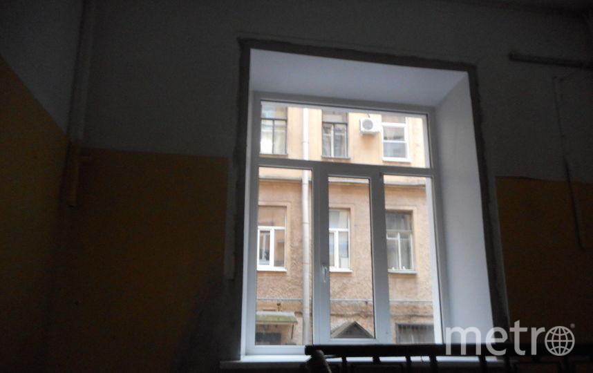 Витраж на Введенской улице. До и после работы коммунальщиков. Фото Анна Капитонова