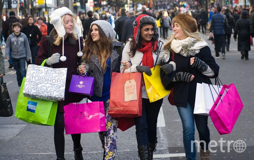 В «чёрную пятницу» многие люди берут выходной, чтобы оказаться в магазине раньше всех. Фото Getty