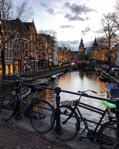 Амстердам, Нидерланды. Фото Скриншот instagram.com/ale_magni/.