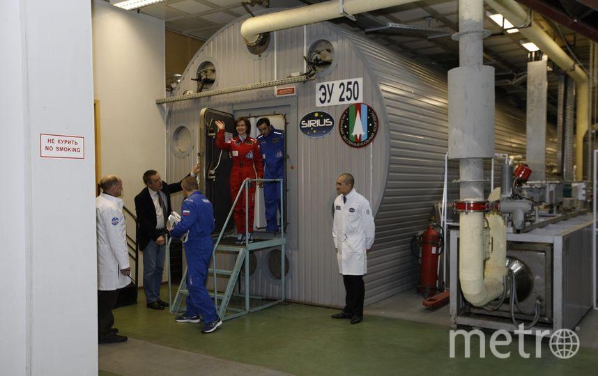 Экипаж имитации полёта на Луну вернулся на Землю. Фото Илья Ордовский-Танаевский.