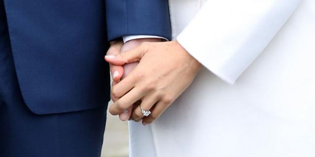 Помолвочное кольцо.