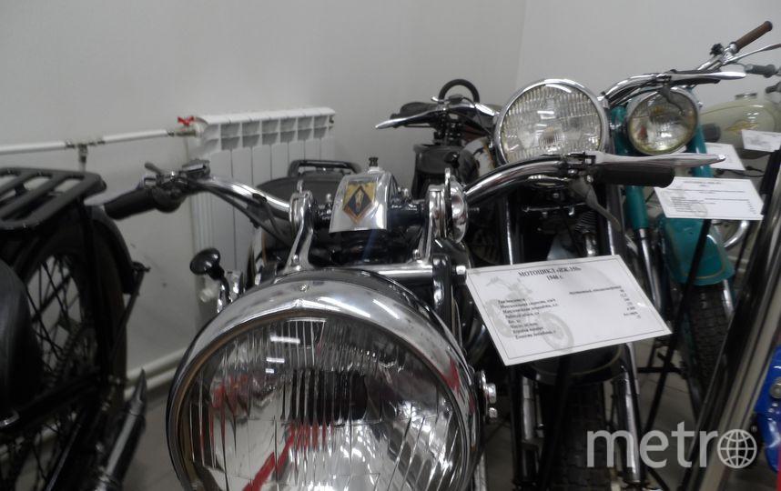 """Экспонаты музея Ижмаш - мотоциклы """"ИЖ-И""""."""