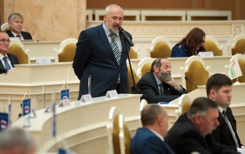 Депутаты предложили изменить порядок выборов губернатора Петербурга.