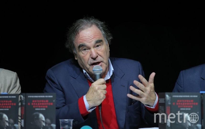 Оливер Стоун на презентации книги. Фото РИА Новости