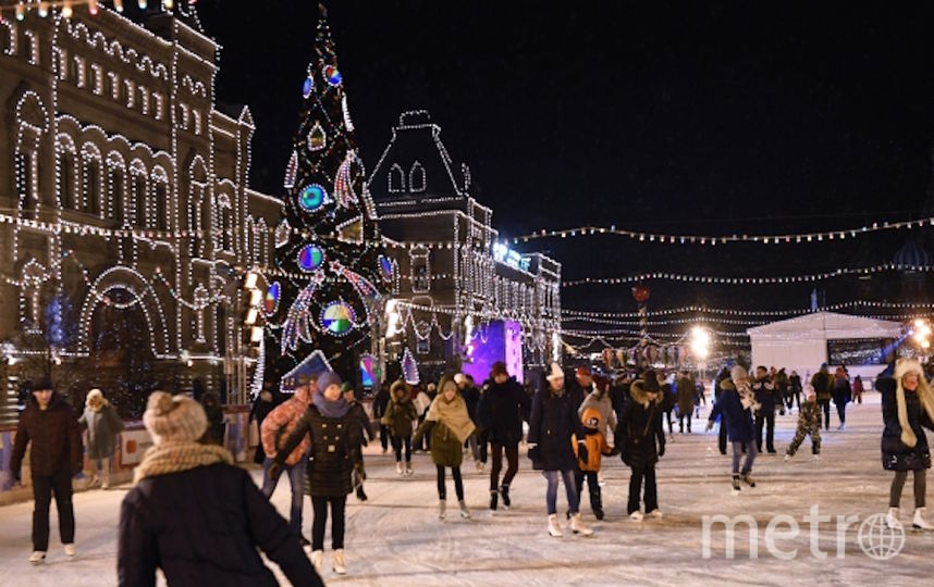 Каток на Красной площади. Фото РИА Новости