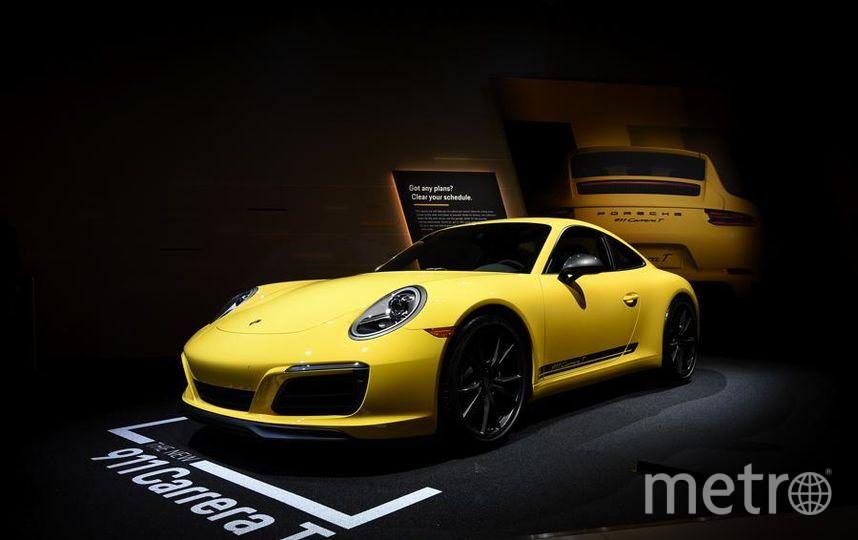 Автошоу в Лос-Анджелесе. Porsche 911 Carrera. Фото Getty