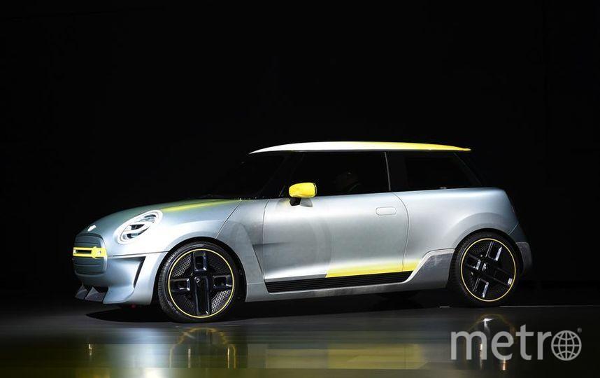 Автошоу в Лос-Анджелесе. Mini Electric Concept Car. Фото Getty