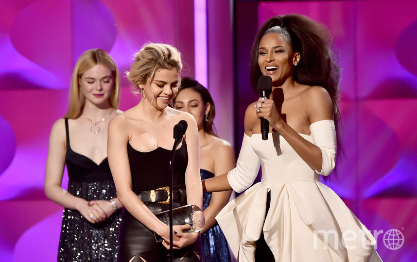 Премия Billboard Women In Music-217. Сиара и Селена Гомес. Фото Getty