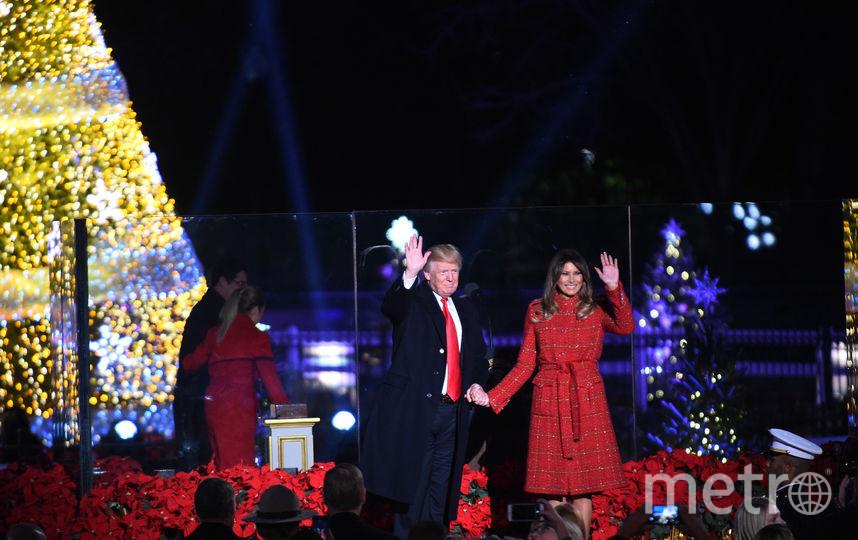 Дональд и Мелания Трамп зажгли огни рождественской елки у Белого дома. Фото Getty