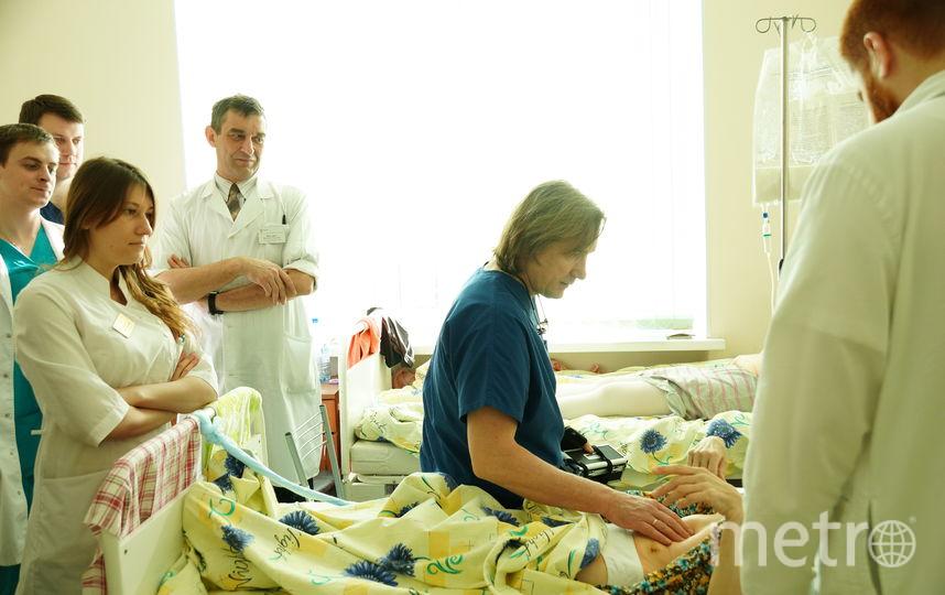 Пациенты боготворят Евгения Левченко. В Интернете можно найти сотни благодарностей в его адрес.