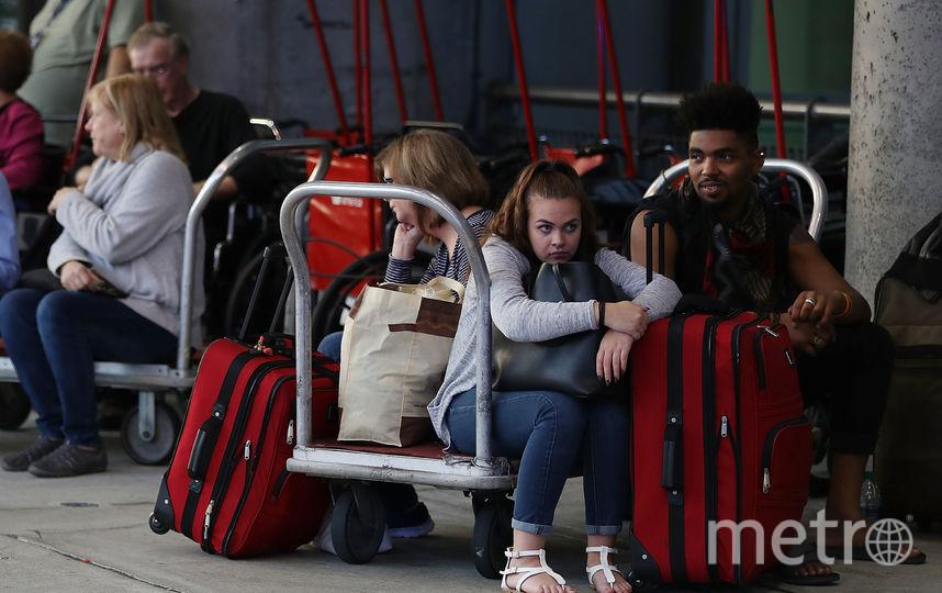 Пассажиры, ожидающие рейса. Фото Getty